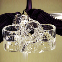 Nice round crystal acrylic napkin ring wedding table decoration for wholesale