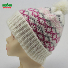 Wholesale Custom Winter Slouchy Girl Knitted Acrylic Beanie Hat With Logo