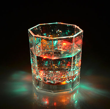 SCD-5-GC035 Colorful Flashing Led Light cup Magic Led Champagne Glass Flash Wine Beer Bar Mug Drink Cup for Party Wedding KTV