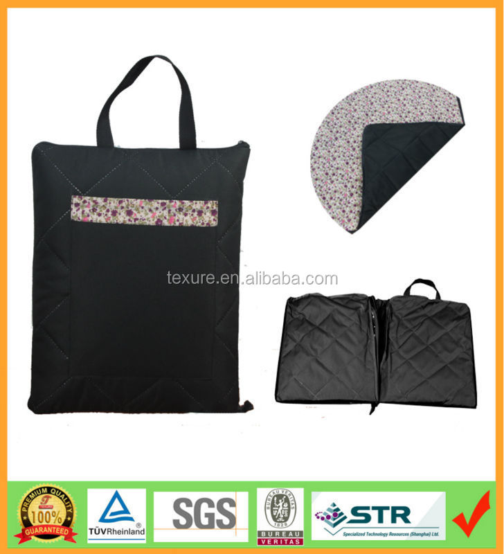Delux Quilted tote bag Waterproof black picnic blankets