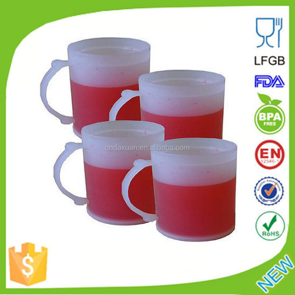 Manufacture Bpa Free Hot selling Summer Double Wall Frosty Gel Plastic Freezer Beer Mug With Hanlde