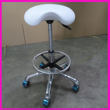 2016 Popular Gas Pump Hydraulic White Beauty Salon Saddle Stool with footrest with casters -MC-1221