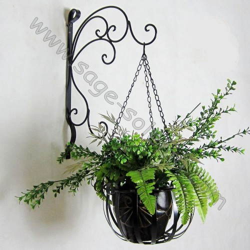 Home and Garden Decor Metal Plant Hanging Planter with Bracket
