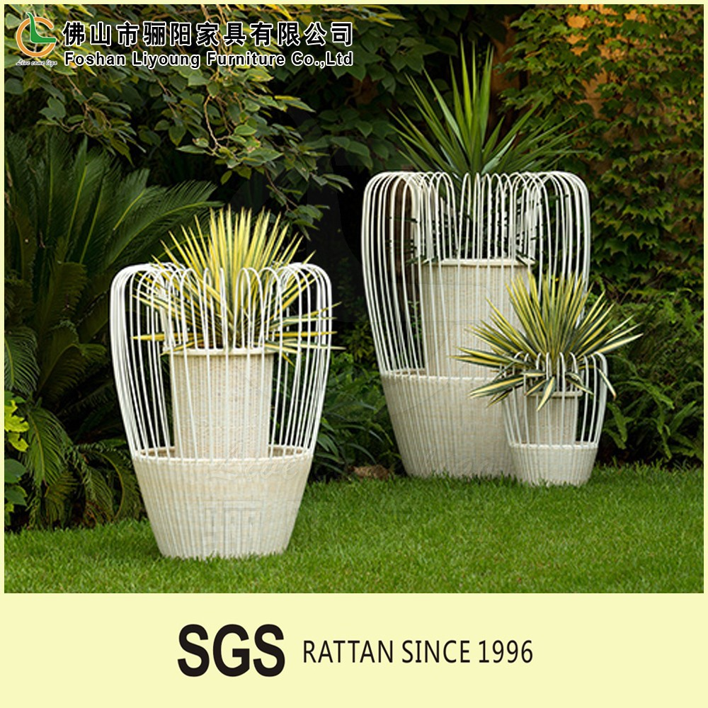 self watering tall square rattan planter wholesale outdoor garden flower pot