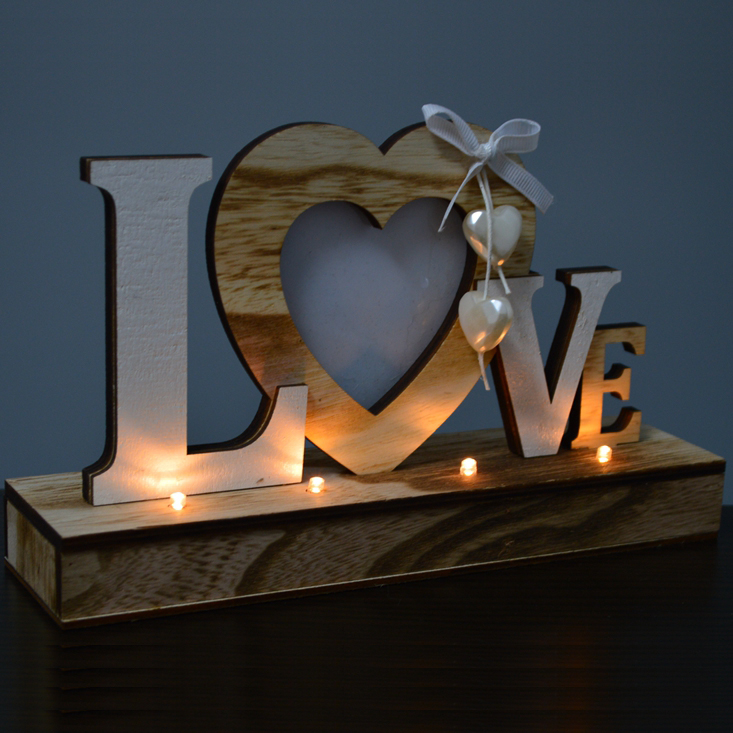 Rustic mr mrs love heart centre pieces stand wood materials party centerpieces backdrop table lights wedding sign decoration