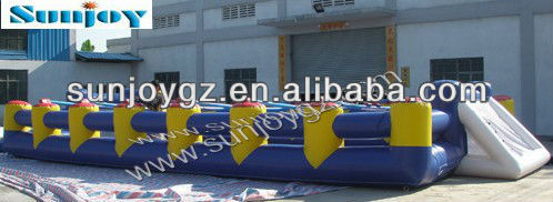 new Inflatable football field/soccer inflatable sport field/football pitch games