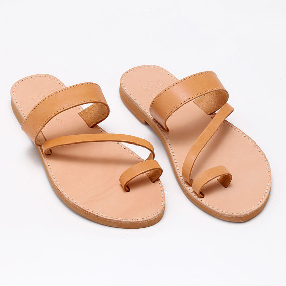 Fashionable Natural Leather Flat Sandals