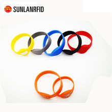 waterproof rfid silicone wristband with 125khz/13.56mhz chip