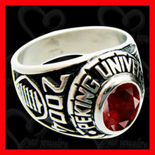BYER made custom class ring for high school students graduation