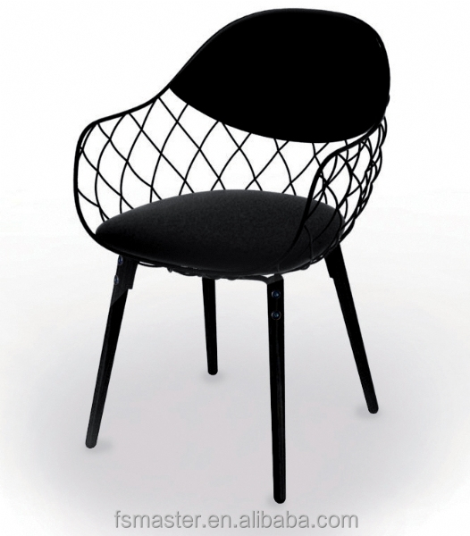 Italian Famous Design Indoor Leisure metal frame with wooden legs wooden frame Plastic Magis Pina Chair by Jaime Hayon