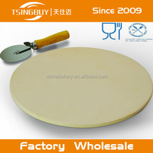 Perfect Customized Cordierite pizza stone and cutter set with superior heat conductivity