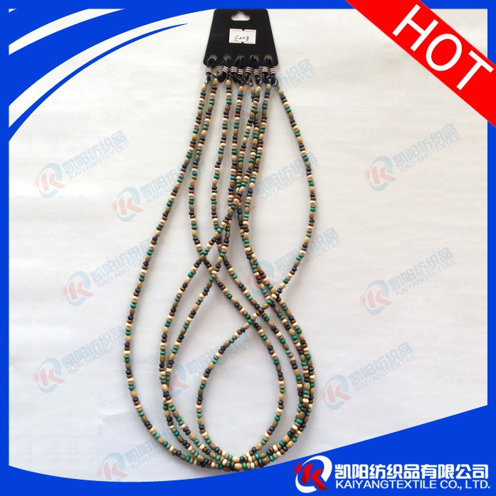 Beautiful string chain for glasses