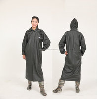 low MOQ custom made Long sleeve black pvc long rain coat with hat