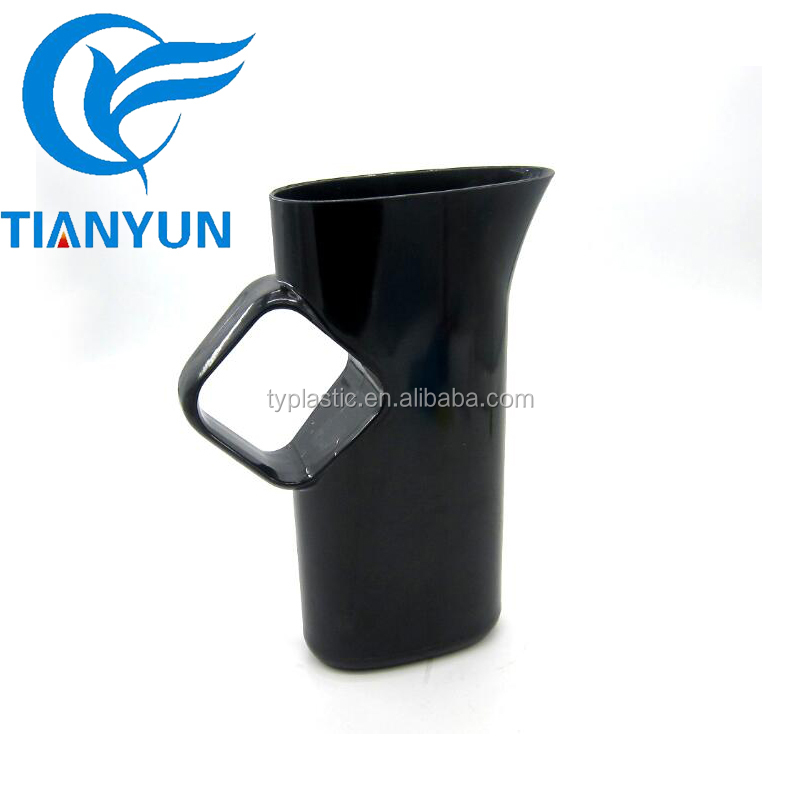 Factory Directly Plastic Black Water Pitcher for Bar Beer