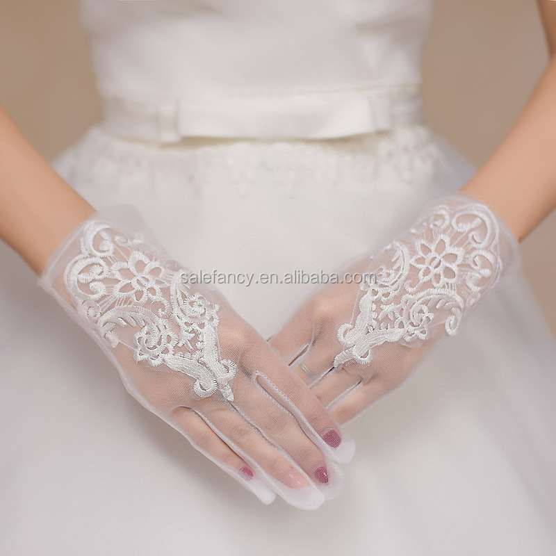 Beautiful design white color cheap lace gloves bridal glove party QCGV-8359