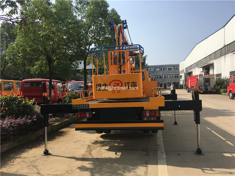 18m high lifting truck5.JPG