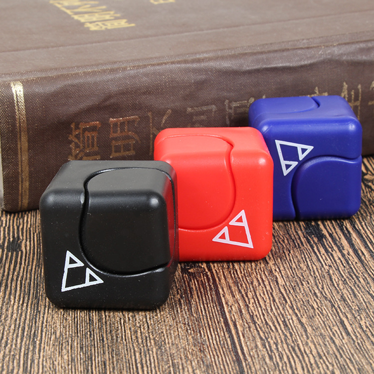 Wholesales fidget cube hand finger spinner toys funny magic toys puzzle 360 small mini abs spinner cube