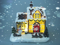 Christmas ornament mini resin house