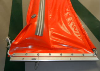 PVC and Foam filled booms Float-type oil spill containment boom for pollution water