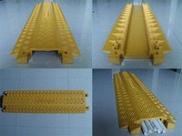 manufacturer directly sale Plastic Cable Protection Covers / Cable Cover /Wire Protector