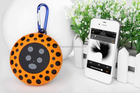 2014 hot new,portable waterproof wireless mini speaker with climbing hook for sport