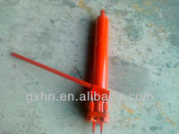 Long ram hydraulic jack for floor crane .