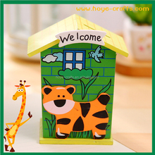 2017 hot sale brand new personalized piggy banks with house shape as Christmas gifts