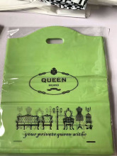 Hot sale handle PE die cut bag plastic packaging for gifts