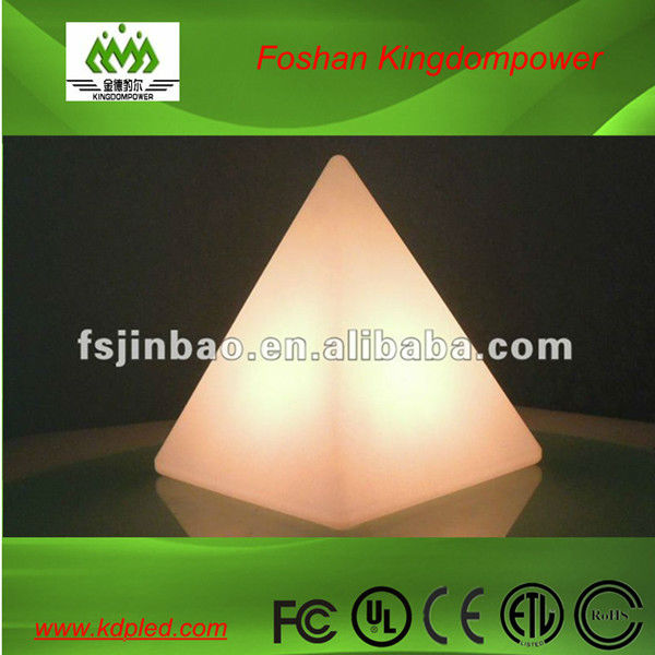 plastic led pyramid lamp /outdoor led pyramid/led cheap triangle