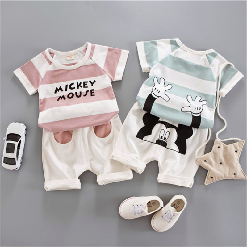 Boy's OEM Fashion Design Cotton Short Sleeves Lovely Sports Suit for Summer