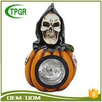 Polyresin Skull Craft Wholesale Artificial White Pumpkins Solar Light Halloween Party Decoration