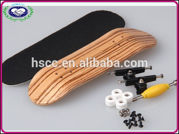 Professional zebra color maple Wood Fingerboard Graphics back side white bearing wheels top configure Maple wood skateboard