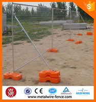Used temporary swimming pool fence