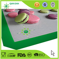 wholesale non-stick custom silicone baking mat/pyramid pan silicone baking mat