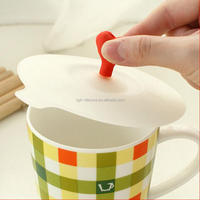 Eco-friendly food grade hot selling silicone heart lid silicone cup lid