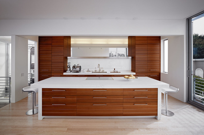 Classic natural maple kitchen cabinets