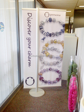 Hight Quality Banner Display Stand For Jewelry Store