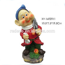 Resin small gnome figurine for garden decoration