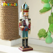10 Best handmade wooden the nutcracker for Christmas decoration W02A085-S