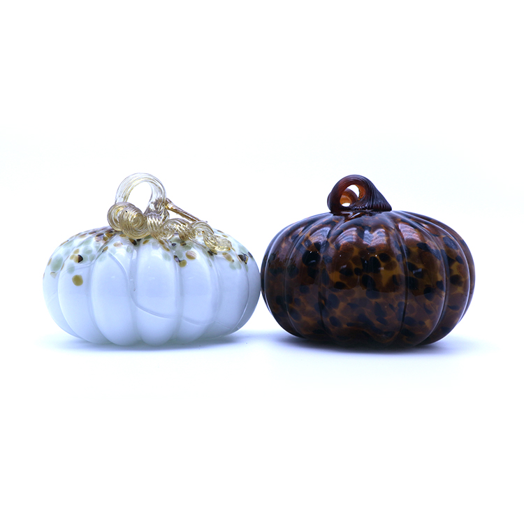 OEM/ODM can be glowing glass ornaments glass pumpkin light decoration wholesale for home fruit glass decorations