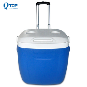 supply 26L pulling plastic ice cooler box/coolbox with wheels for outdoor Sports travel
