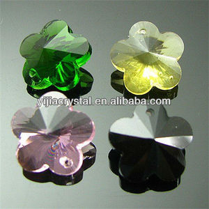 New flower shaped decorative glass crystal beads