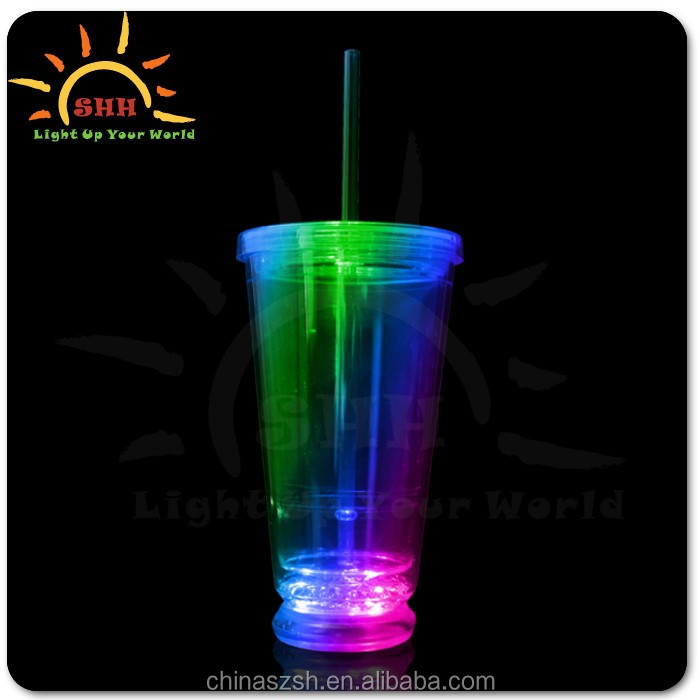 LED plastic double walled tumbler with straw Light up Double Wall Plastic glass for barware and party favor flashing plastic cup