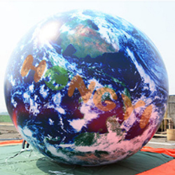 Outdoor jumbo inflatable earth TPU water polo planet ball model for commercial advertising exhibition