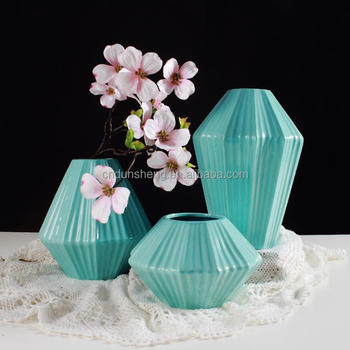 wholesale 13-pieces blue ceramic flower vases in linework design vase