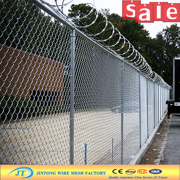galvanised or pvc coated cyclone wire fence