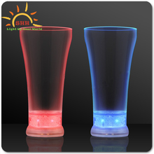 Light Up LED Pilsner Glass Wholesale Pilsner Light Up LED Beer Glasses Barware novelty cups wholesale with factory price