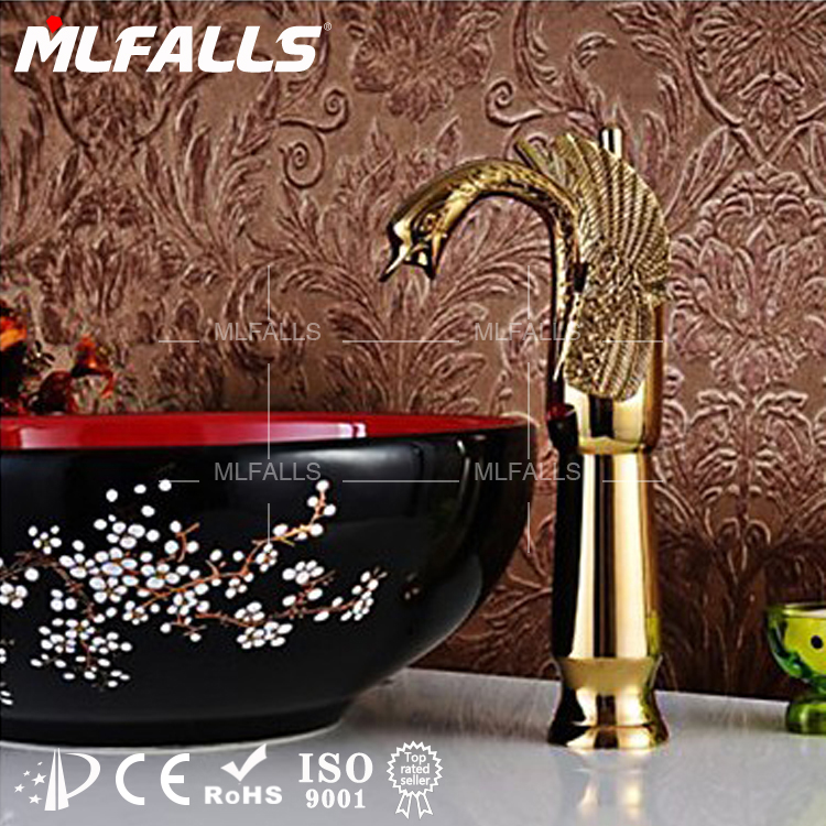 Luxury bathroom design Ti-PVD finish single hole swan solid gold faucet