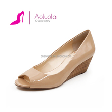 new design comfortable peep toe wedge heel patent leather nude ladies casual shoes