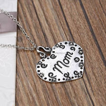 Euro-American Hot Sale Mother's Day Gifts Birthdays Gifts Magazine Design Simple Letter Necklace Fashion Heart Mom Necklace